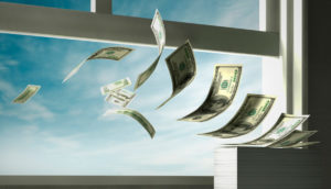 Центробанк фиксирует двукратный рост оттока капитала из России